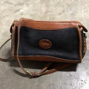Vtg Dooney & Bourke sling bag